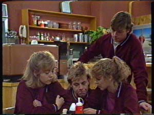Charlene Mitchell, Jane Harris, Mike Young, Scott Robinson in Neighbours Episode 0345