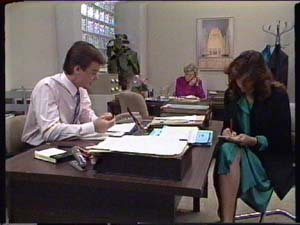 Paul Robinson, Helen Daniels, Susan Cole in Neighbours Episode 0346