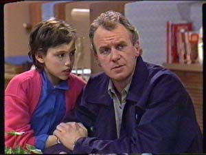 Jim Robinson, Lucy Robinson in Neighbours Episode 0347