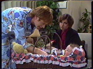 Clive Gibbons, Susan Cole, Sam Cole in Neighbours Episode 0347