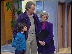 Jim Robinson, Helen Daniels, Lucy Robinson in Neighbours Episode 0347