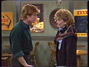 Clive Gibbons, Madge Bishop in Neighbours Episode 0347