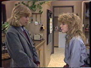 Jane Harris, Charlene Mitchell in Neighbours Episode 0348