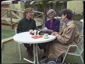 Clive Gibbons, Helen Daniels, Nell Mangel in Neighbours Episode 0348