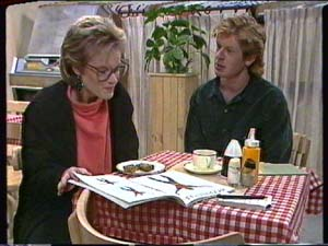 Daphne Clarke, Clive Gibbons in Neighbours Episode 0348