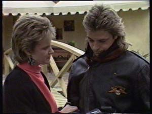 Daphne Clarke, Shane Ramsay in Neighbours Episode 0349