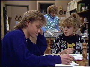 Charlene Mitchell, Madge Mitchell, Scott Robinson in Neighbours Episode 0350