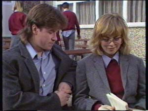 Jane Harris, Mike Young in Neighbours Episode 0350
