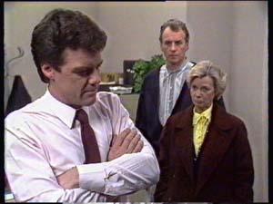 Paul Robinson, Jim Robinson, Helen Daniels in Neighbours Episode 0350
