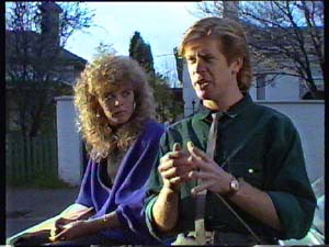 Charlene Mitchell, Clive Gibbons in Neighbours Episode 0352