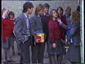 Scott Robinson, Mike Young, Sue Parker, Charlene Mitchell in Neighbours Episode 0352
