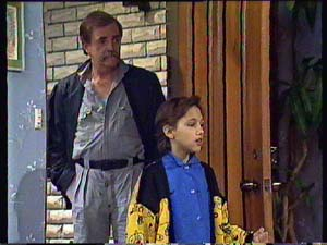 Brian Hanson, Lucy Robinson in Neighbours Episode 0352