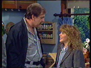 Brian Hanson, Charlene Mitchell in Neighbours Episode 0352