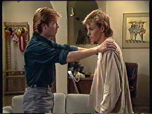Clive Gibbons, Scott Robinson in Neighbours Episode 0353