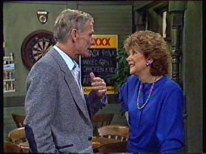Ray Murphy, Madge Bishop in Neighbours Episode 0354