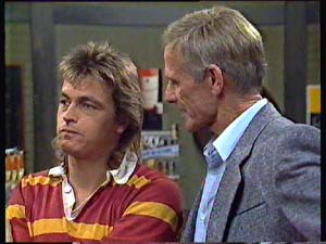 Shane Ramsay, Ray Murphy in Neighbours Episode 0354