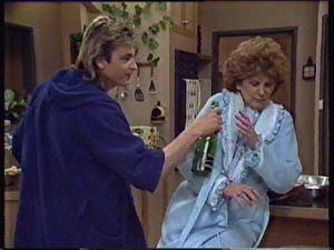 Shane Ramsay, Madge Mitchell in Neighbours Episode 0355