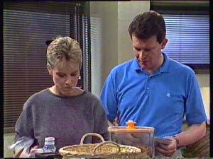 Des Clarke, Daphne Clarke in Neighbours Episode 0356
