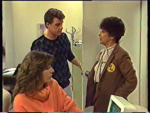 Susan Cole, Paul Robinson, Hilda Mueller in Neighbours Episode 0356