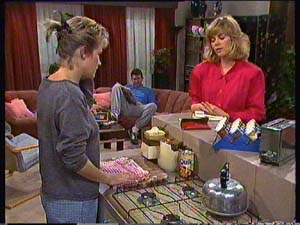 Daphne Clarke, Des Clarke, Jane Harris in Neighbours Episode 0356
