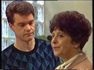Paul Robinson, Hilda Mueller in Neighbours Episode 0356