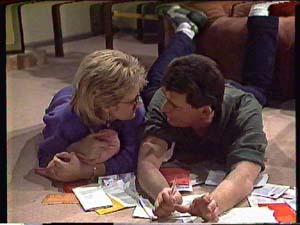 Daphne Clarke, Des Clarke in Neighbours Episode 0357