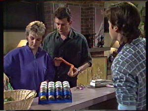Daphne Clarke, Des Clarke, Mike Young in Neighbours Episode 0357