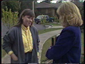 Nikki Dennison, Jane Harris in Neighbours Episode 0357