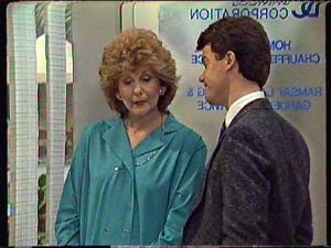 Madge Mitchell, Paul Robinson in Neighbours Episode 0357