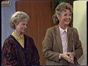 Helen Daniels, Grace Barnet in Neighbours Episode 0358