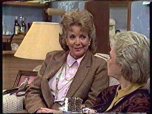 Grace Barnet, Helen Daniels in Neighbours Episode 0358