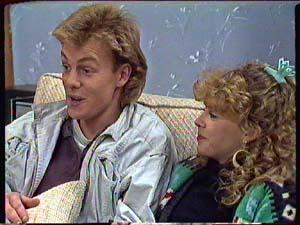 Scott Robinson, Charlene Mitchell in Neighbours Episode 0358