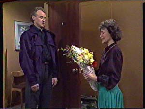 Ruth Wilson, Jim Robinson in Neighbours Episode 0359