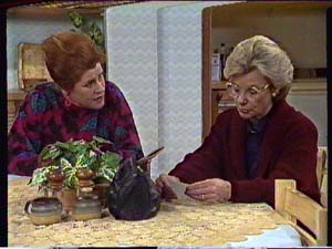 Laura Dennison, Helen Daniels in Neighbours Episode 0359