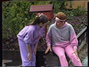 Laura Dennison, Nikki Dennison in Neighbours Episode 0359