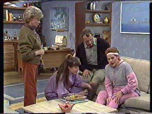 Helen Daniels, Nikki Dennison, Jim Robinson, Laura Dennison in Neighbours Episode 0359