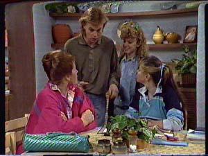Laura Dennison, Scott Robinson, Charlene Mitchell, Nikki Dennison in Neighbours Episode 0360