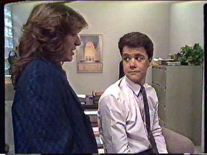 Susan Cole, Paul Robinson in Neighbours Episode 0360