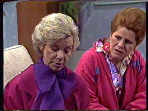 Helen Daniels, Laura Dennison in Neighbours Episode 0360