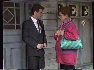 Paul Robinson, Laura Dennison in Neighbours Episode 0360