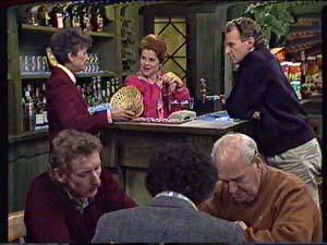 Nell Mangel, Laura Dennison, Jim Robinson in Neighbours Episode 0360