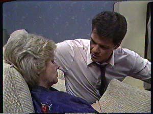 Paul Robinson, Helen Daniels in Neighbours Episode 0360