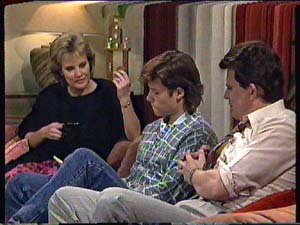 Daphne Clarke, Mike Young, Des Clarke in Neighbours Episode 0361