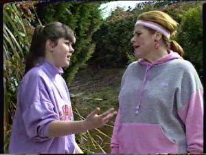 Nikki Dennison, Laura Dennison in Neighbours Episode 0361