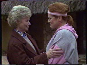 Helen Daniels, Laura Dennison in Neighbours Episode 0361