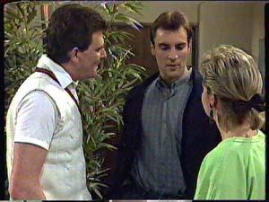 Des Clarke, Phil Nolan, Daphne Clarke in Neighbours Episode 0361