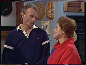 Jim Robinson, Laura Dennison in Neighbours Episode 0362