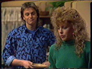 Shane Ramsay, Charlene Mitchell in Neighbours Episode 0362