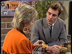 Daphne Clarke, Phil Nolan in Neighbours Episode 0362