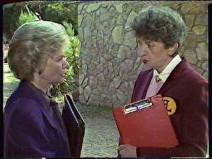Helen Daniels, Nell Mangel in Neighbours Episode 0362